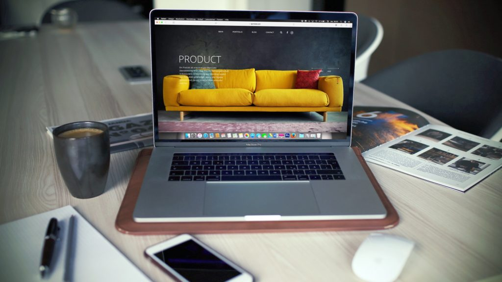product-website-igor-miske-unsplash-1920x1080